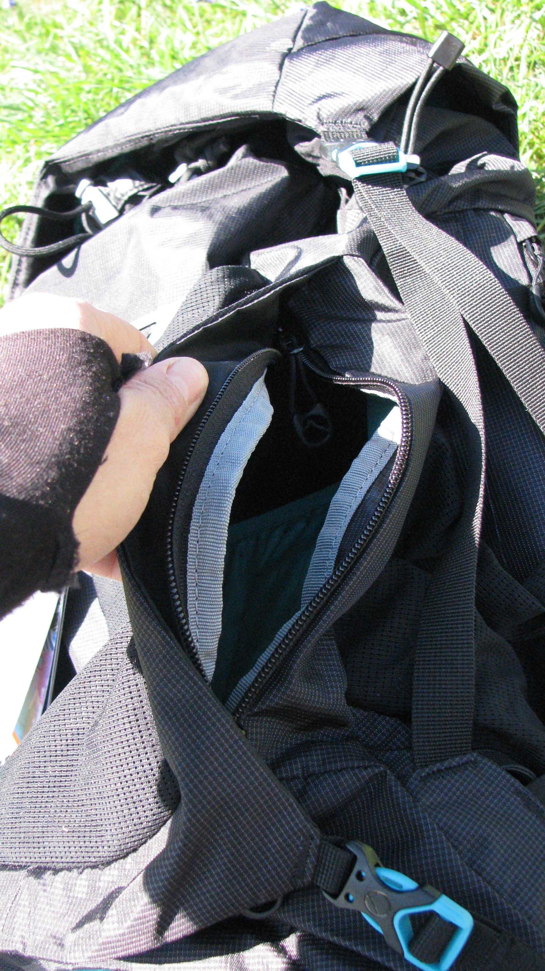 Ouverture latérale de la poche centrale